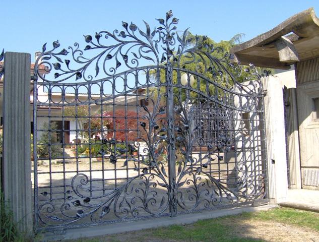 Immagini di cancelli in ferro battuto bo15 regardsdefemmes for Immagini recinzioni